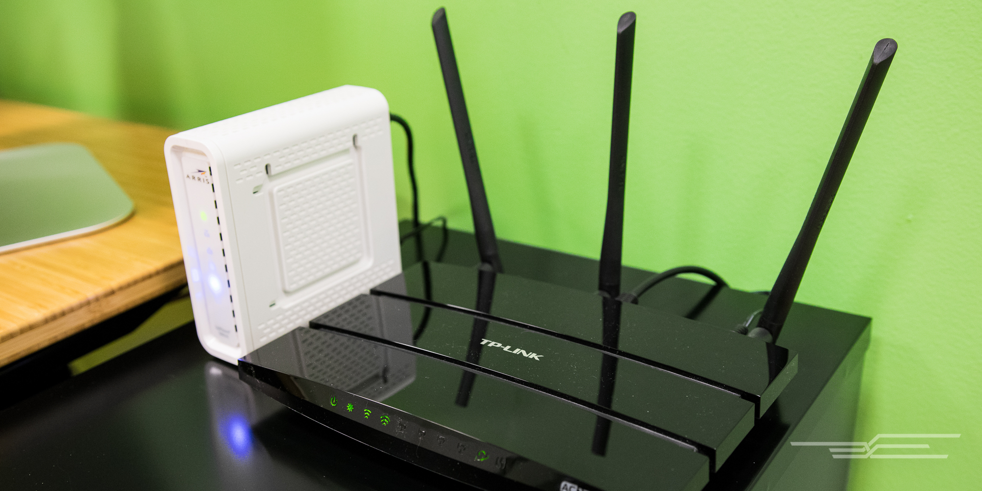 11-home-office-engadget-router-modem-2000
