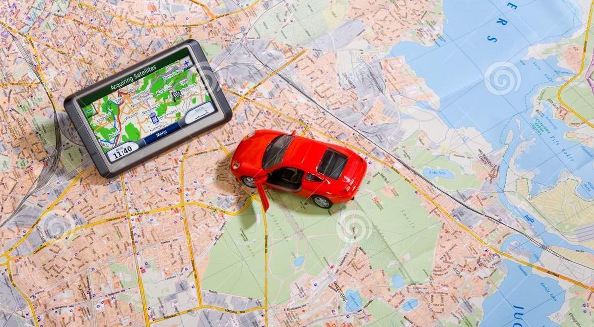 gps-navigation-system-traveling-map-7216160-1